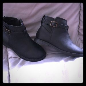 GAP Gap Chelsea Boots black size 8 girls Brand new